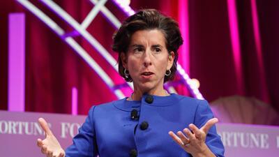 La gobernadora de Rhode Island, Gina Raimondo