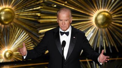 El vicepresidente Joe Biden presenta a Lady Gaga en los Oscar