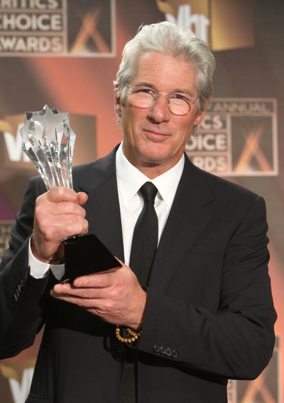 En enero de 2009 recibió un premio especial por parte de los Critics&#39...