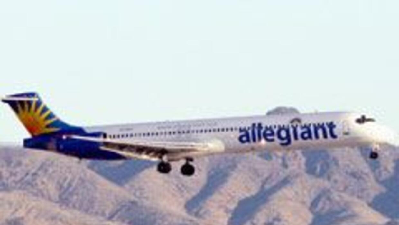 Las tarifas de algunas aerolíneas en EU han subido más del 50 por ciento...