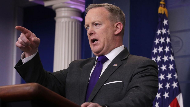 Sean Spicer, el portavoz que defiende al presidente enfrentándose a la p...