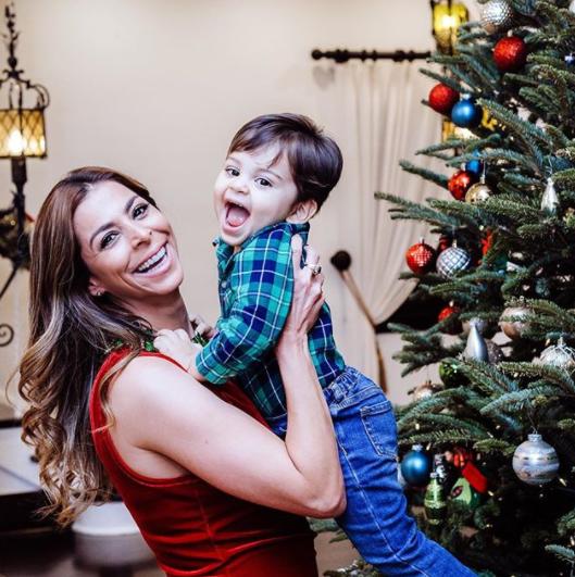 Lourdes Stephen, Navidad