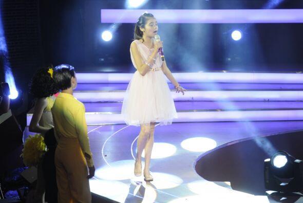 Irlanda fue la afortunada que cantaría a lado de Edith Márquez.