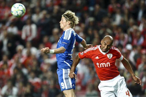 El español Fernando Torres salió entre los 11 titulares de los 'Blues'.