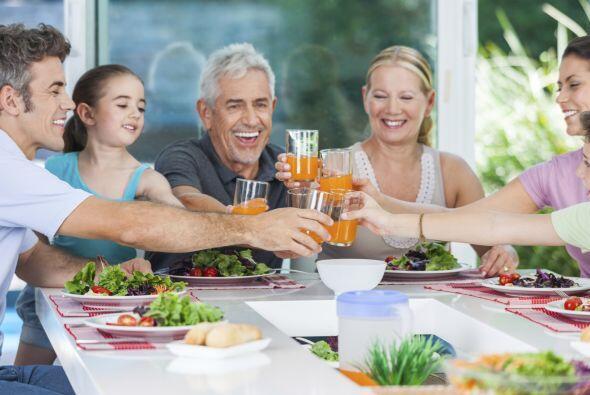 Celebra las fiestas de tu país. Ello puede ayudar a los niños a comprend...