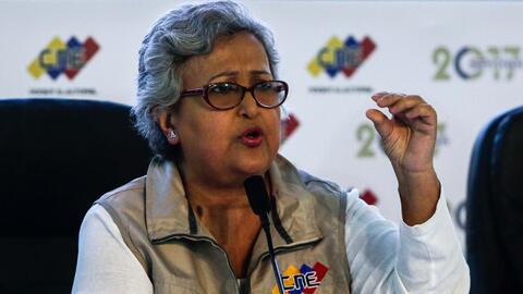 La presidenta del Consejo Nacional Electoral (CNE), Tibisay Lucena, pres...