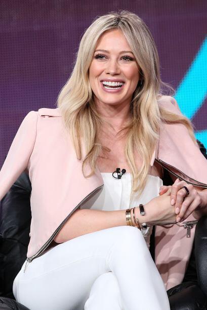Este año es de la rubias solteras y felices, Hilary Duff se une al club.