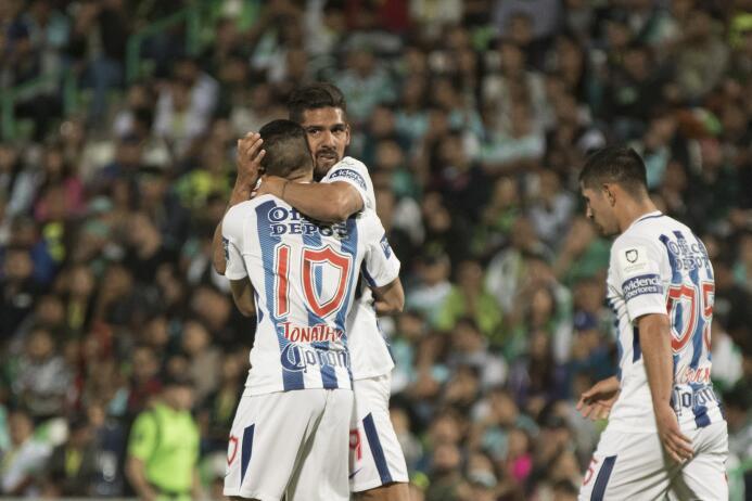 Emocionante empate entre Santos y Pachuca franco-jara-celebra-su-gol.jpg