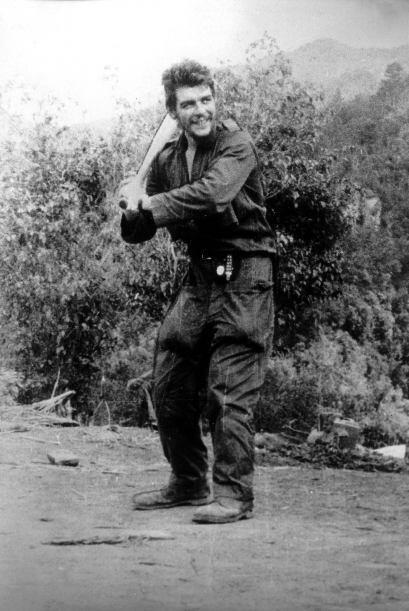 La película presenta cintas familiares con imágenes del Che en su infanc...