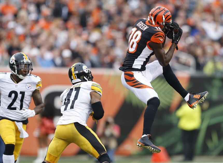 Los 30 jugadores con más puntos de fantasy en la semana 14 de la NFL 22-...