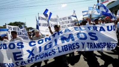 Miembros del grupo clandestino Frente Democrático Nicaragüense 3-80, inf...