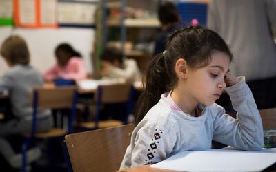 Estudiantes de escuelas públicas Chicago mejoran sus capacidades en lect...