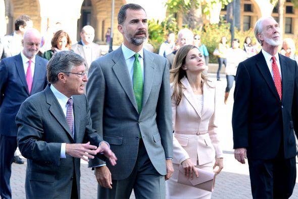 Para finalizar el Príncipe Felipe y la Princesa Letizia se despla...