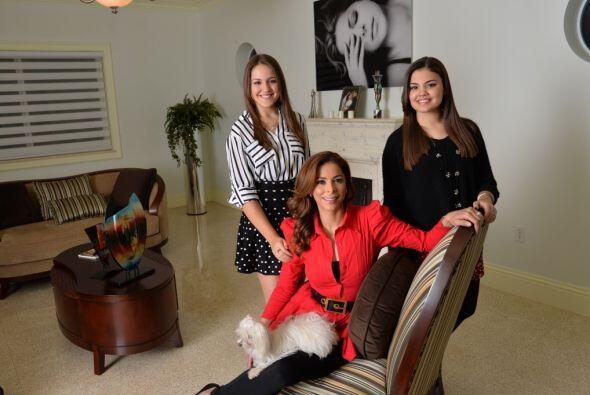 La conductora de Sal y Pimienta tuvo una sesión fotográfica con sus hija...