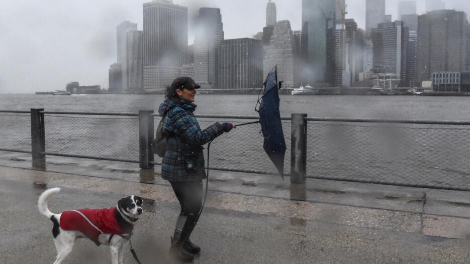 Las zonas costeras de la Ciudad de Nueva York registran con más fuerza l...