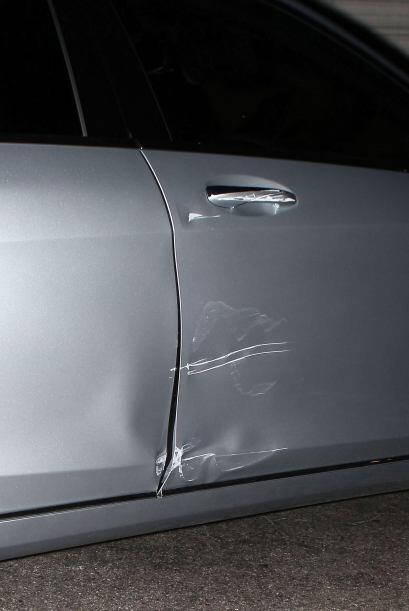 ¡Ouch! ¿cuánto costará el arreglo?Fisuras en la puerta derecha se pueden...
