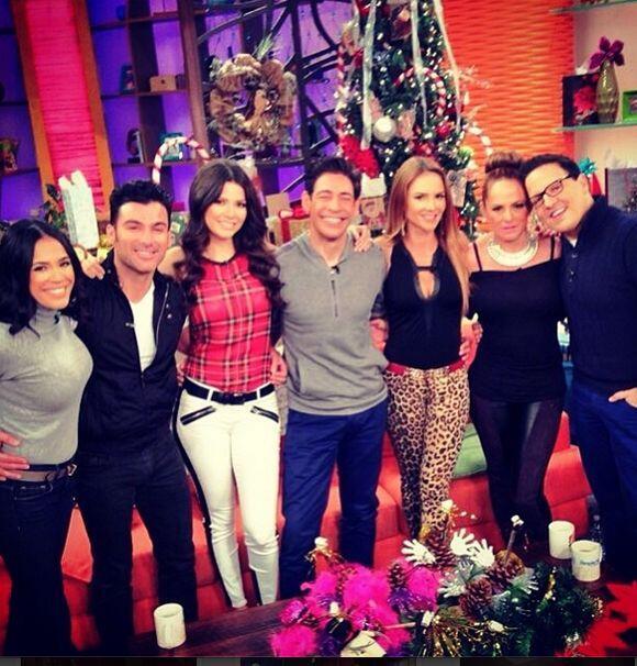 """""""Primer VIERNES del año en @DespiertaAmericaTv """" mandamos un abrazo calu..."""
