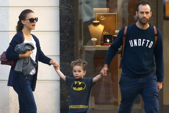 Natalie Portman se dejó ver en familia y ¡no podíamos creer lo que veían...