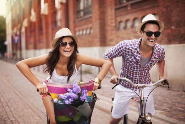 Gafas de sol. Elige unas que bloqueen entre el 99% y el 100% de los rayo...