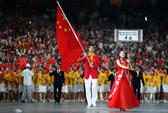 Además de defender numerosas causas sociales, Yao portó la bandera de Ch...