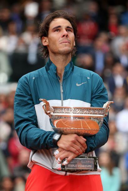 Sin embargo, poco a poco Roland Garros comienza a inclinarse ante su rey...