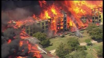 Reportan un gran incendio en el centro de Houston, Texas
