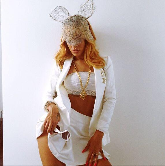 """""""En blanco""""-Rihanna"""