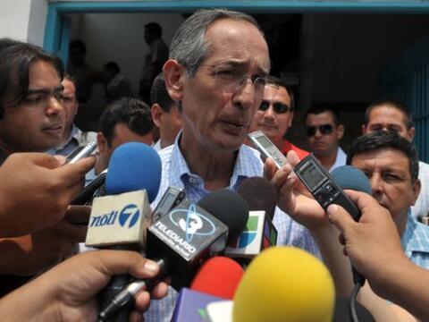 El presidente de Guatemala, Álvaro Colom convocó a varios...