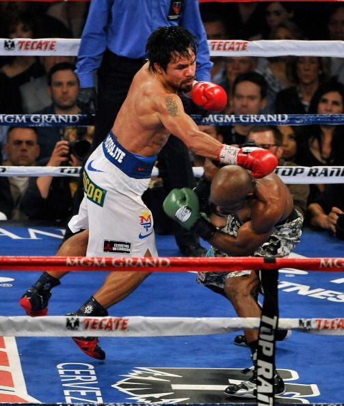 A medida que avanzó la pelea Bradley fue declinando.