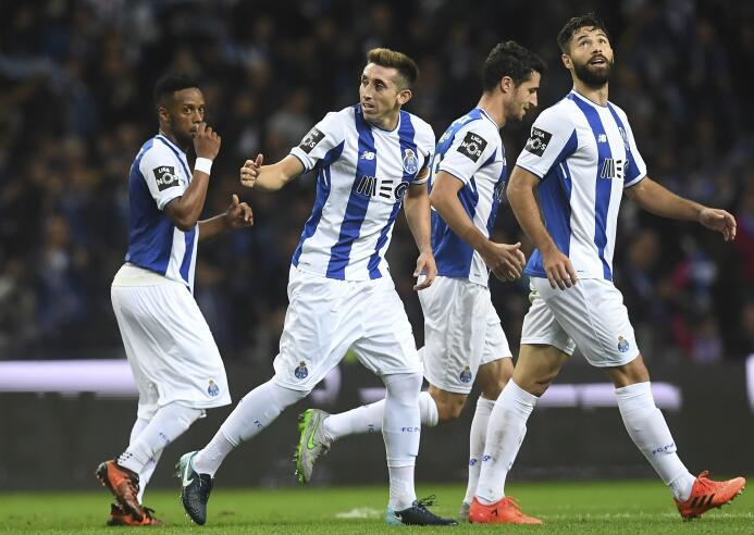 Sábado 25 de noviembre - 3:30 p.m. CT / Desportivo Aves Vs. Porto: la em...