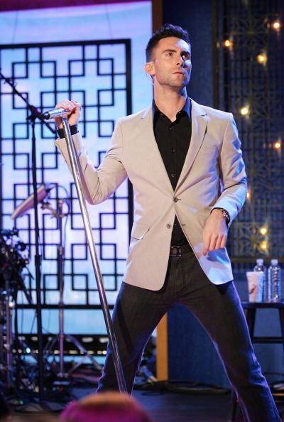 ¿Y ustedes qué opinan, es bien merecido por Adam Levine es...