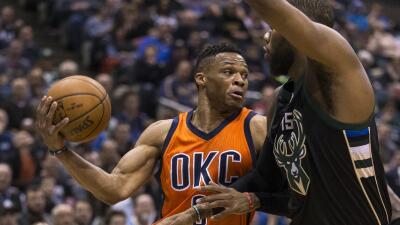 Kevin Durant sumó 32 puntos y 12 rebotes.