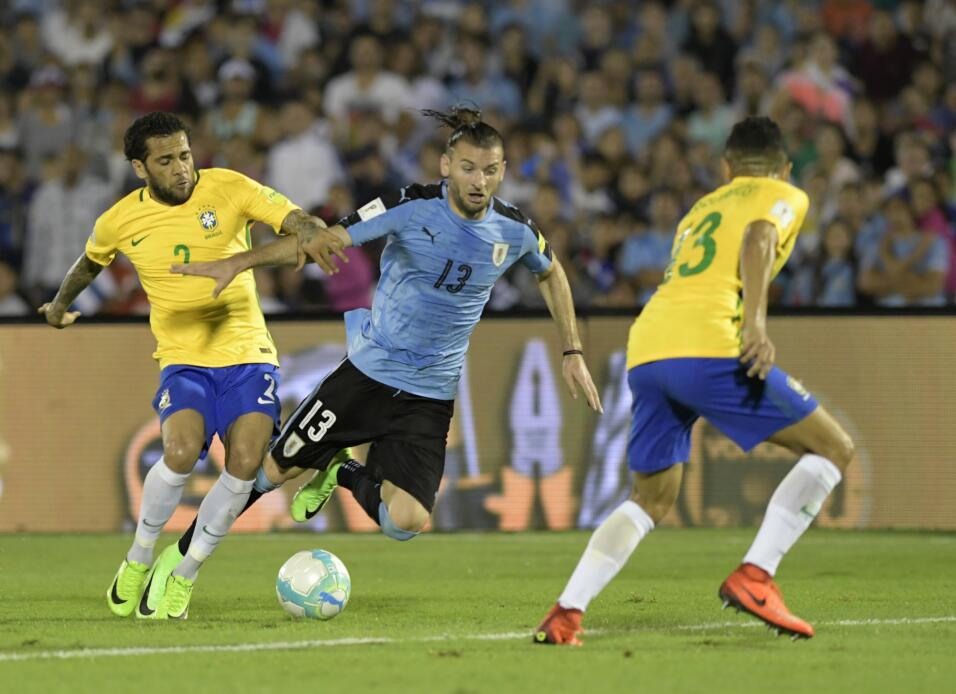 Inter confirma el traspaso del chileno Gary Medel al Besiktas 18.jpg