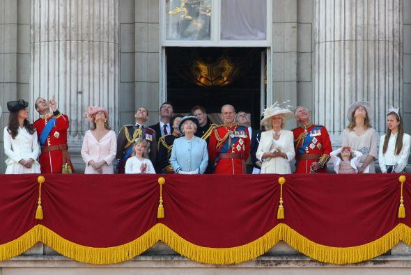 MONARQUÍA INGLESA- Considerada la más costosa del mundo, la monarquía de...