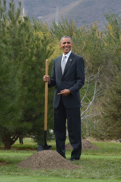Y es que como su esposa, Michelle es una conocida amante de la siembra y...