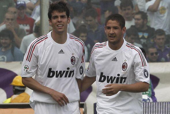 En su lugar, el cuadro galo piensa en los servicios de Kaká y Alexandre...