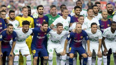 Chapecoense transformó segundos de silencio en minutos de ovación en Barcelona