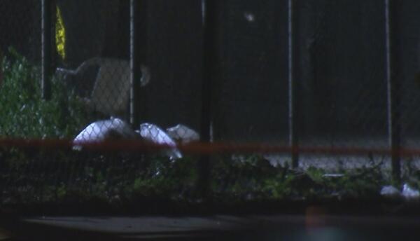 Callejón donde se encontraron los restos de un bebé en Long Beach.
