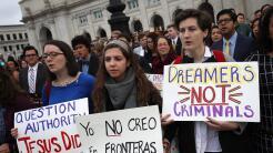 Un grupo de estudiantes en una manifestación en Washington reivindicando...