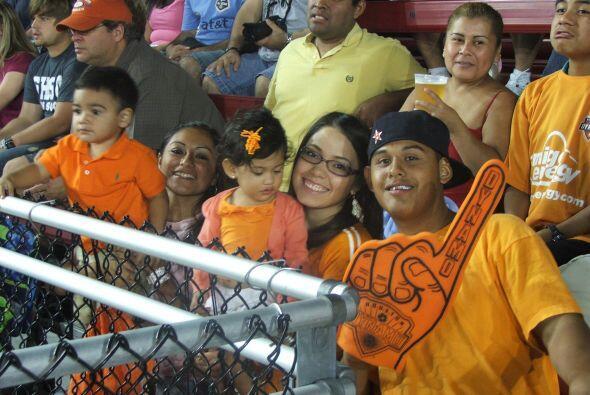 El Estadio Robertson de Houston se llenó con la presencia de los fanátic...