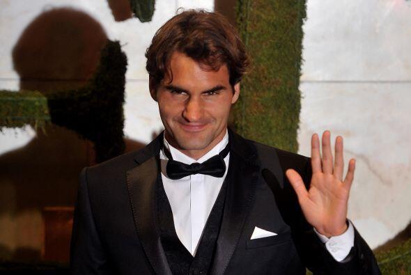 8. Roger Federer  Ganancias netas: $71 millones.  Presencia en radio y t...