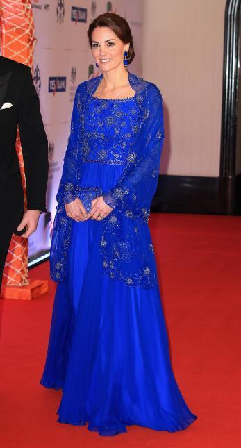 Los 50 mejores vestidos que usó Kate Middleton en 2016 GettyImages-52040...