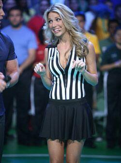 """La linda Alessandra estuvo muy sonriente en el segundo show de """"El Juego..."""