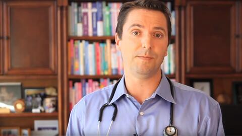 El doctor antivacunas Robert Sears explicia sus puntos de vista en YouTube
