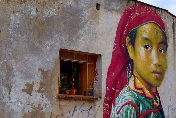 Perla mexicana, colaboración de Minoz y Meiz en Cholula, Puebla.  Fotos...