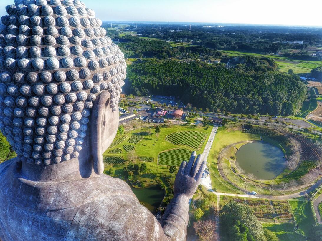 Big Buddha Ushiku Daibutsuby cliechti.JPG