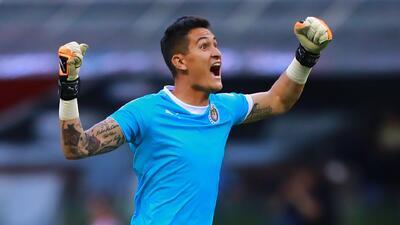 Raúl Gudiño cree que Chivas borrará en el Mundial de Clubes el mal torneo que hizo en México