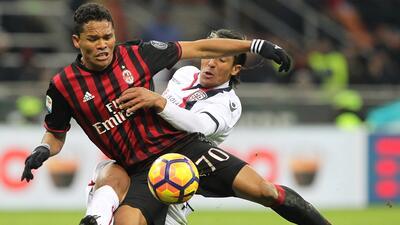 Bacca comanda triunfo del Milán sobre Cagliari
