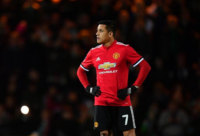 Uno de los más recientes fue el del chileno Alexis Sánchez, que mientras...
