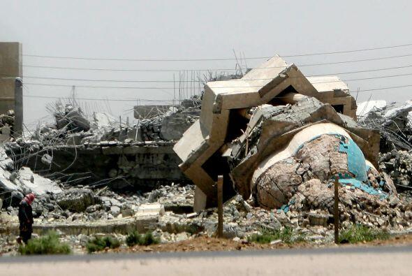 18 de febrero - 30 muertos y 100 heridos en una mezquita de la región tr...